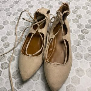 Candies Sz 7 Nude Wrap Up Flats